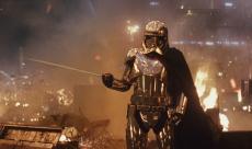 Star Wars - Les Derniers Jedi : une scène de mort alternative pour Phasma