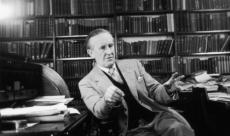 L'essai J.R.R. Tolkien, l'auteur du siècle sortira chez Bragelonne