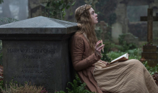 Elle Fanning interprète la créatrice de Frankenstein dans le biopic Mary Shelley