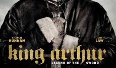 Charlie Hunnam s'affiche dans un nouveau poster du Roi Arthur