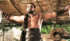 Une visite de Jason Momoa sur le tournage de Game of Thrones relance les rumeurs de son retour