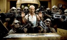 Sur le tournage du Cinquième Élément, Bruce Willis ne quittait pas Luc Besson