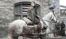 Maisie Williams évoque une diffusion en avril 2019 pour la dernière saison de Game of Thrones