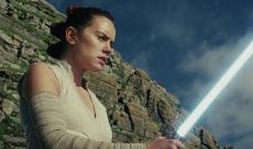 Les Derniers Jedi : Rian Johnson revient sur les idées non utilisées pour les origines de Rey