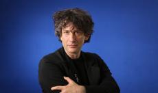 Neil Gaiman va adapter le cycle culte de Gormenghast en série TV