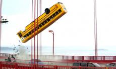 Terminator : Genisys vous explique comment faire voler un bus en vidéo