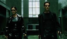 Matrix 4 : saut dans le vide et promenade en moto avec Neo et Trinity