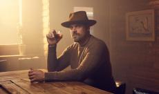 David Harbour aimerait explorer les origines de Hopper dans la prochaine saison de Stranger Things