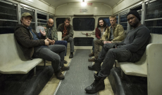 Une nouvelle image de The Predator révèle les persos d'Alfie Allen et Thomas Jane