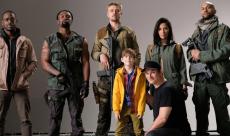 The Predator : Sterling K.Brown et Shane Black partagent des vidéos de tournage