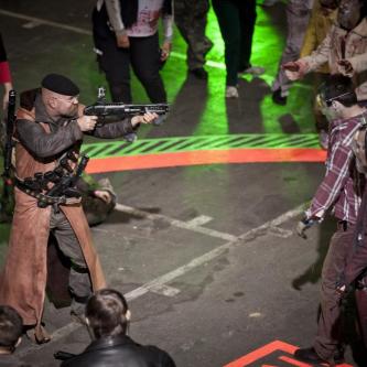 Mythbusters s'attaque aux zombies dans une émission spéciale The Walking Dead