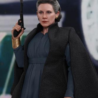 Star Wars : Hot Toys dévoile une Leia façon Les Derniers Jedi